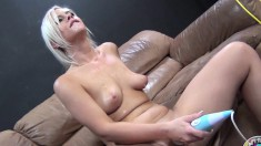 Beautiful blonde Tara Lynn Foxx toys her juicy peach and blows a dick