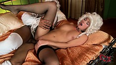 Renaissance slut takes his big black dick in her gaping white butt