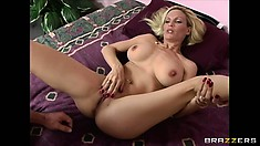 She's a cougar who loves to take control and ride on his cock