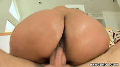 After having her wet fluffy pussy licked, she sits on cock and rides it hard