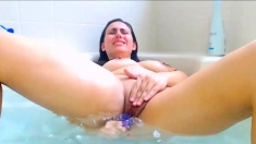 Brunette Rena Playing In Bathtub And Masturbating Underwater