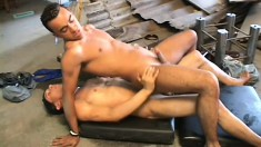 Interracial dudes enjoy a hardcore fucking and sucking session